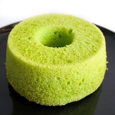 Life is too short, eat desserts: Pandan Chiffon Cake Pandan Chiffon Cake, Pandan Cake, Dessert Recipes, Baking Desserts, Cupcake Recipes, Resep Cake, Green Tea Recipes, Asian Desserts, Biscuits