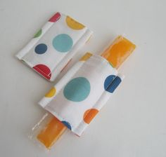 MUST MAKE FOR SUMMER!  dont even need to be magnetic just sew little pouches the size of an otter pop ...Magnetic Freezer pop cozy's