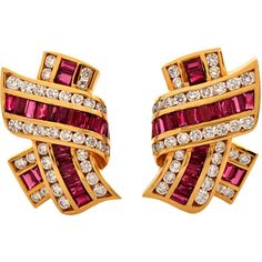 Preowned Krypell Ruby Diamond Yellow Gold Clip-On Earrings ($5,999) ❤ liked on Polyvore featuring jewelry, earrings, yellow, 18 karat gold earrings, round diamond earrings, 18k gold earrings, long gold earrings and red clip on earrings