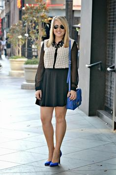 Is it called Grid Print? Check Print or Windowpane Print?! Who cares, its cute! Wearing @FOREVER™ 21 top, black skater skirt, @asos.com cobalt blue d'orsay heels, @T.J.Maxx cobalt blue bag @hellocheeseburger necklace!