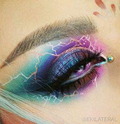 Cool eye Make-up art…….✨ shared by Mone🐾💄🧜♀️ – Makeup is art Crazy Eye Makeup, Makeup Eye Looks, Creative Makeup Looks, Eye Makeup Art, Colorful Eye Makeup, Cute Makeup, Skin Makeup, Eyeshadow Makeup, Fairy Makeup