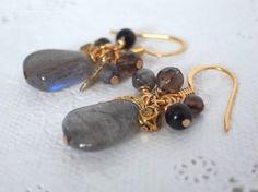 ラブラドライトとモノトーン系天然石のピアス Creema Handmade Accessory Crafts Beads Natural Stone Labradorite Earring ハンドメイド イヤリング クラフトビーズ アクセサリー