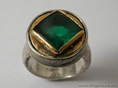 CONTEMPORARY NEW ZEALAND JEWELRY  Paul Annear, ring