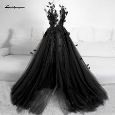 Goth Wedding Dresses, Black Wedding Gowns, Classic Wedding Gowns, Black Ball Gowns, Black Wedding Decor, Gothic Wedding Ideas, Red And Black Gown, Black White Wedding Dress, Black Weddings