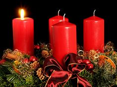 German Christmas Traditions - The Advent Wreath or Adventskranz. It is made out of fir branches and decorated with 4 candles which are lit before Christmas. Lights Before Christmas, Christmas Time, Christmas Crafts, Christmas Decorations, Holiday Decor, Christmas Branches, Advent Candles, Pillar Candles, Menorah