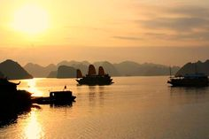 8. Halong Bay sunset!! LOVE GOING ON A BOAT AND SWIMMING AT IT!! #bareMinerals #READYtowin