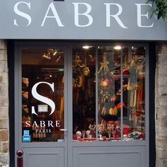 façade de la boutique Sabre spécialisée dans la coutellerie