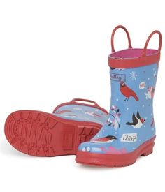 Hatley Winter Birds Wellies Blue wellington boots with red contrast trim, cotton lining and pull on handles. Dog Rain Boots, Rubber Rain Boots, Red Wellies, British Clothing Brands, Rain Gear, Dogs And Kids, Kids Pajamas, Vintage Style Outfits, Zapatos