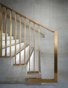 brass stair rail - so hot!