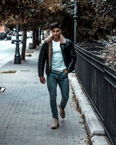 Gentleman Mode, Gentleman Style, Red Suede Jacket, Leather Jacket, Daily Fashion, Mens Fashion, Style Fashion, Celebrity Outfits, Well Dressed Men