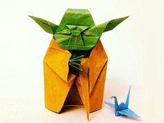 Yoda of Star Wars, in origami. Star Wars Origami, Origami Yoda, Origami Paper, Origami Design, Oragami, Paper Folding, Geek Out, Artsy Fartsy, Gadget