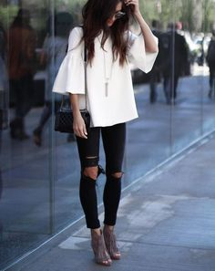 Blogger street style / minimal street style #fashion #womensfashion #streetstyle #ootd #style #minimalfashion / Pinterest: @fromluxewithlove