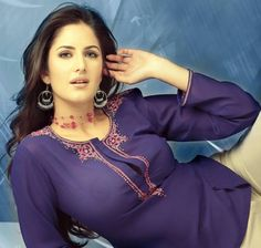 Katrina Kaif looks hot in a white skirt. Katrina is one of the top leading ladies in the Bollywood film industry.Hot photos of sexy Bollywood diva Katrina Kaif. Bollywood Actress Hot Photos, Indian Bollywood Actress, Indian Actress Hot Pics, Bollywood Girls, Beautiful Bollywood Actress, Indian Actresses, Bollywood Stars, Katrina Kaif Boom, Katrina Kaif Bikini