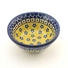 Bowl - This beautiful hand decorated ceramic bowl can be used in dishwasher, microwave and oven every day. - Tato krásná keramická miska se stane ozdobou každého stolu. Každý kus je vhodný pro denní používání v myčkách, mikrovlnných i pečících troubách. Každý jednotlivý výrobek je odekorován ručně pod glazuru zkušenou umělkyní. Proto je každý náš výrobek originál.