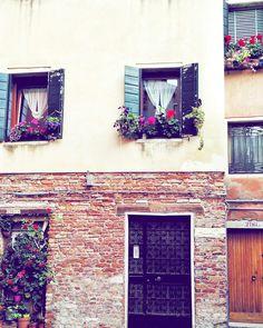 finding peace in venice by vinylmemories via Flickr #Venice #Italy #window