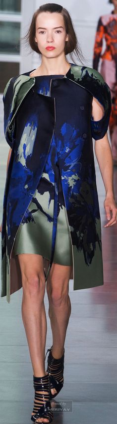 Love this colour mix. Antonio Berardi.Spring-summer 2015.- ve voio vedè vestite così.