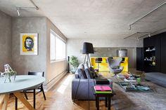 Apartamento Peixoto Gomide - Suite Arquitetos / sala de estar / living room / painel preto / cimento queimado / amarelo / decoração