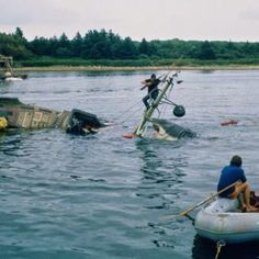 Rare Behind the Scenes Photographs From the Filming of 'Jaws' on Katama Bay, Martha's Vineyard in 1974 ~ vintage everyday Jaws Film, Jaws Movie, Jaws 4, Shark Jaws, Martha's Vineyard, Nostalgia, Recent Movies, Famous Monsters, Great White Shark