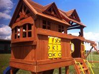 Lekehus og klatrestativ i ett!!! Neders i hagen ved siden av trampolina Cabin, Country, House Styles, Home Decor, Decoration Home, Rural Area, Room Decor, Cabins, Cottage