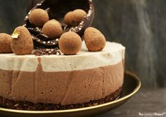 Caramel, praline cheesecake | The Little Blog Of Vegan