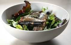 Lunch: green salad with sardines and a vinaigrette provençale « Foodie In Focus