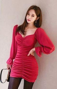 Red Fashion, Colorful Fashion, Asian Fashion, Girl Fashion, Korean Dress, Good Looking Women, Beautiful Asian Women, Asian Woman, Asian Beauty