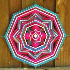 Mandala feita com linhas e palito