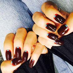 【Stylish bordeaux】  MEGBABYさんNew nail✨ 大人のボルドーネイル オシャレに決まります @_megbaby_  #megbaby#nail#Bordeaux#ボルドー#nail#代官山#nail salon#オシャレ#美甲#Xmas#ネイル#大人ネイル#シンプルネイル Nailart, Instagram Posts, Beauty, Beauty Illustration