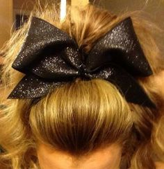 This hair is perf. Sporty Hairstyles, Ponytail Hairstyles, Pretty Hairstyles, Cheer Hair, Cheer Mom, Cheer Ponytail, Sparkly Cheer Bows, Cheer Extreme, Cheer Picture Poses