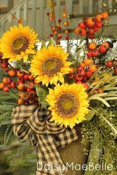 step by step fall door arrangement crafts seasonal holiday decor And in a matter of no time you have this fall arrangement & Step by Step Fall Door Arrangement | Front doors Doors and Decoration pezcame.com