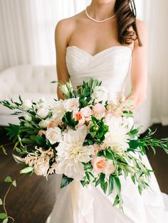 gorgeous white + peach bouquet with garden roses, astilbe, dahlias, and vines | Shannon Moffit