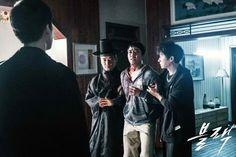 141 Best Black 블랙 images in 2017   Black, Black people, Drama korea