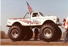 usa one monster truck | The USA-1 Monster Truck Facebook page has some great vintage photos ...