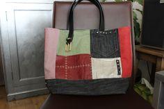 Commande d'un sac unique en divers tissus :  Jean, suédine, lin, ... avec une ceinture pour anse.