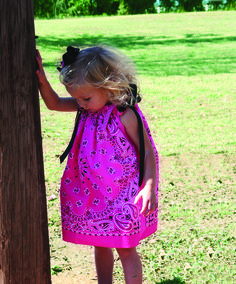 How to make a dress out of bandanas - no sew Little Girl's Bandana Dress - cute clothes for girls