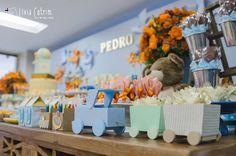 Apaixonada por esta linda Festa Brinquedos!!Cores lindas e decoração encantadora.Imagens Doce Eve AteliêLindas ideias e muita inspiração.Bjs, Fabíola Teles....