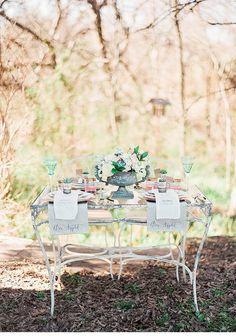 Secret Garden shoot, design:  Chic Fleur Weddings & Events, photo: Marianne Sabado | www.hochzeitsguide.com