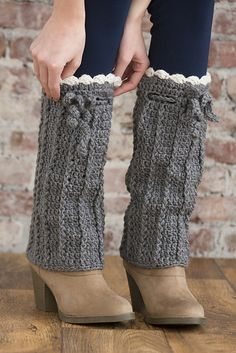Ravelry: Long Boot Warmers pattern by Alessandra Hayden.easy to crochet and there's a free pattern!These will keep the snow out of your boots! Crochet Boots, Crochet Gloves, Crochet Slippers, Crochet Yarn, Free Crochet, Crochet Top, Crochet Boot Cuff Pattern, Crochet Patterns, Crochet Leg Warmers