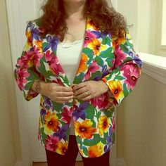 💐Vibrant Floral🐝 One-Button Blazer☔️🌹 This 3/4 sleeve jacket takes a bold personality to pull it off.  Absolutely stunning flower pattern made of 100%polyester that is reminiscent of the 1980s. In 10/10 condition, it is a bit too snug for me. Patchington Jackets & Coats Blazers