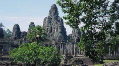 Bayon,#Cambodgia  23 de poze cu cele mai frumoase biserici si temple din lume.  Vezi mai multe poze pe www.ghiduri-turistice.info  Sursa : www.wikimedia.org
