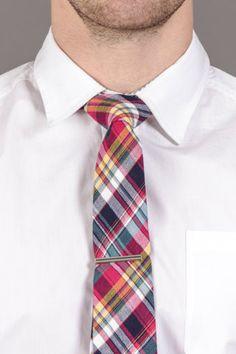 Plaid Tie With Tie Bar.