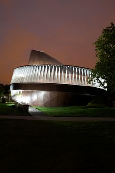 Olafur Eliasson, Kjetil Thorsen, Luke Hayes, John Offenbach · Serpentine Pavilion 2007 · Divisare