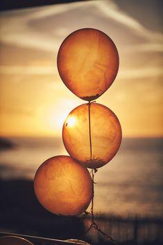 documentary wedding photographers Devon, Somerset and Dorset Wedding Venues Beach, Beach Wedding Photography, Wedding Day, Relaxed Wedding, Outdoor Ceremony, Devon, Beaches, Nova, Balloons