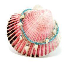 sea shell bracelet seashell bracelet sea shell jewelry seashell jewelry shell bracelet beach jewelry shell jewelry bracelet jewelry seashell by LovesShellsBeads on Etsy