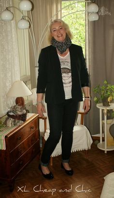 XL Cheap & Chic: Mustaa ja valkoista - Black and White with armadil...