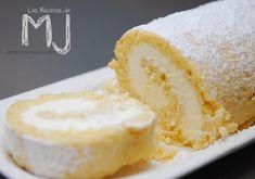 BRAZO DE GITANO RELLENO DE NATA | Comparterecetas.com Spanish Desserts, Mini Desserts, Cake Roll Recipes, Dessert Recipes, Queen Cakes, Honey Pie, Pie Cake, Sweet And Salty, Cakes And More
