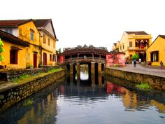 Hoi An, an enchanting ancient town located in Quang Nam province, central Vietnam, was once a major trading port of Southeast Asia in the century. Environmentalist, Chinese Architecture, Hoi An, Concrete Jungle, 16th Century, Southeast Asia, Vietnam, Beautiful Places, The Past