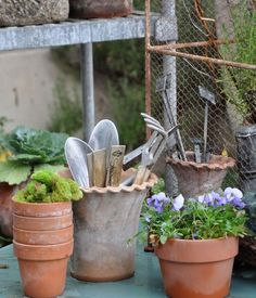 Those look like Guy Wolff pots to me :)