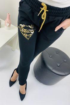 Čierne dámske tepláky super Pants, Fashion, Trousers, Fashion Styles, Women Pants, Women's Pants, Women's Bottoms, Fashion Illustrations, Trendy Fashion