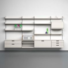 Shelving system for Vitsœ by designer Dieter Rams in 1960